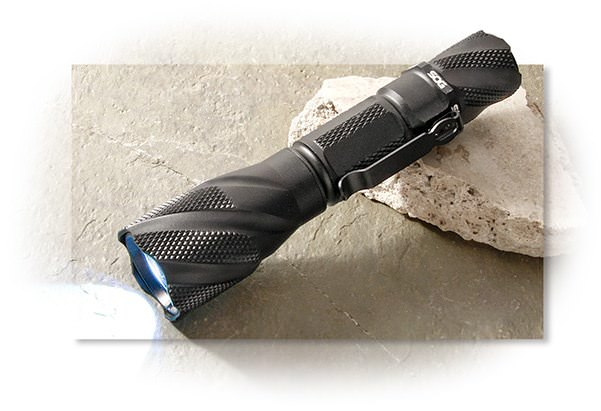SOG Dark Energy Flashlight - 687 Lumens