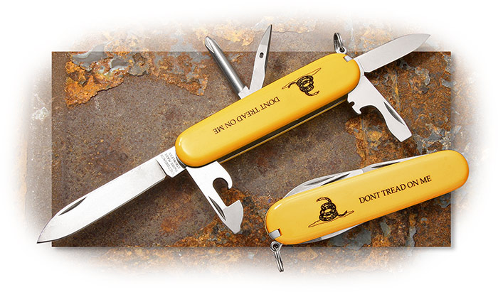 SWISS ARMY - TINKER - GADSDEN FLAG - YELLOW WTIH SNAKE ON HANDLE - 12 TOOLS - SCREWDRIVER